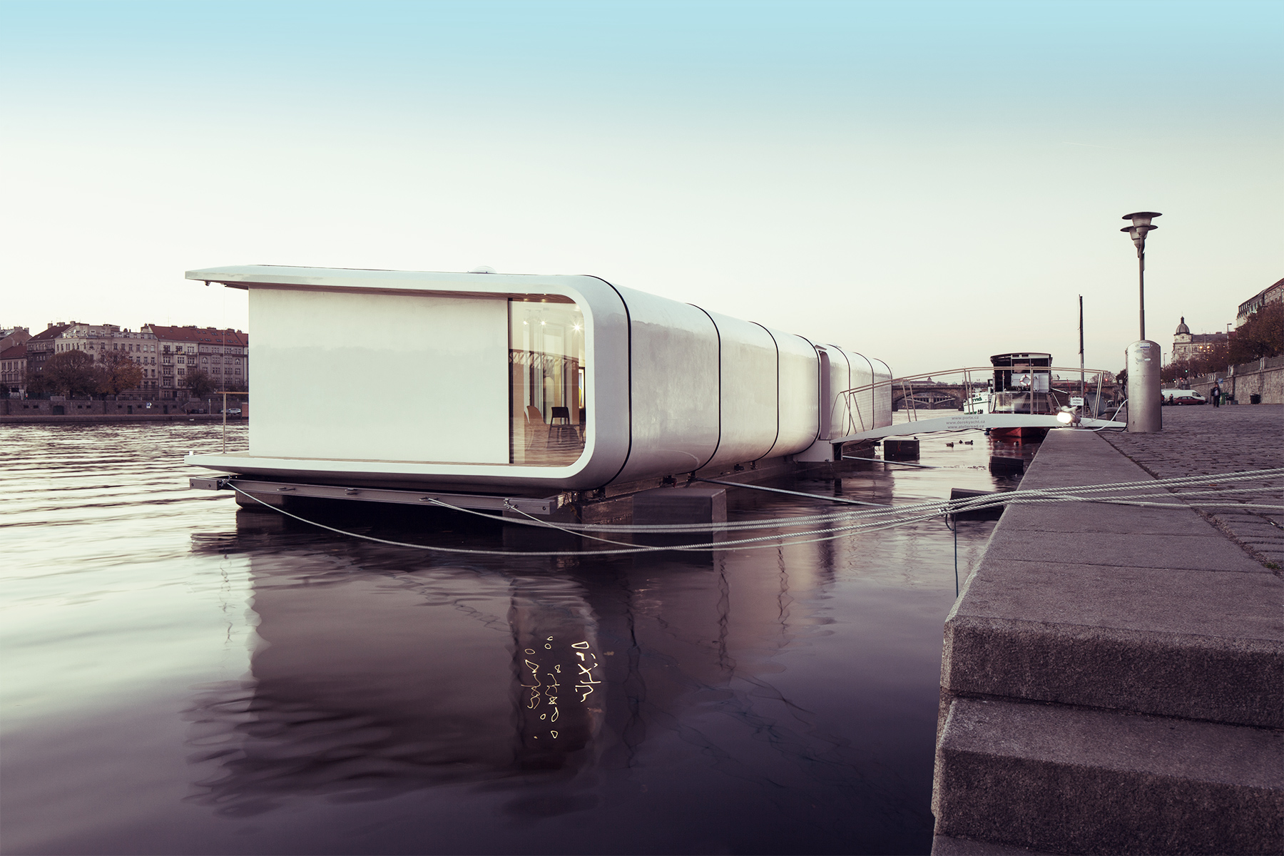 portX accommodation on the water
