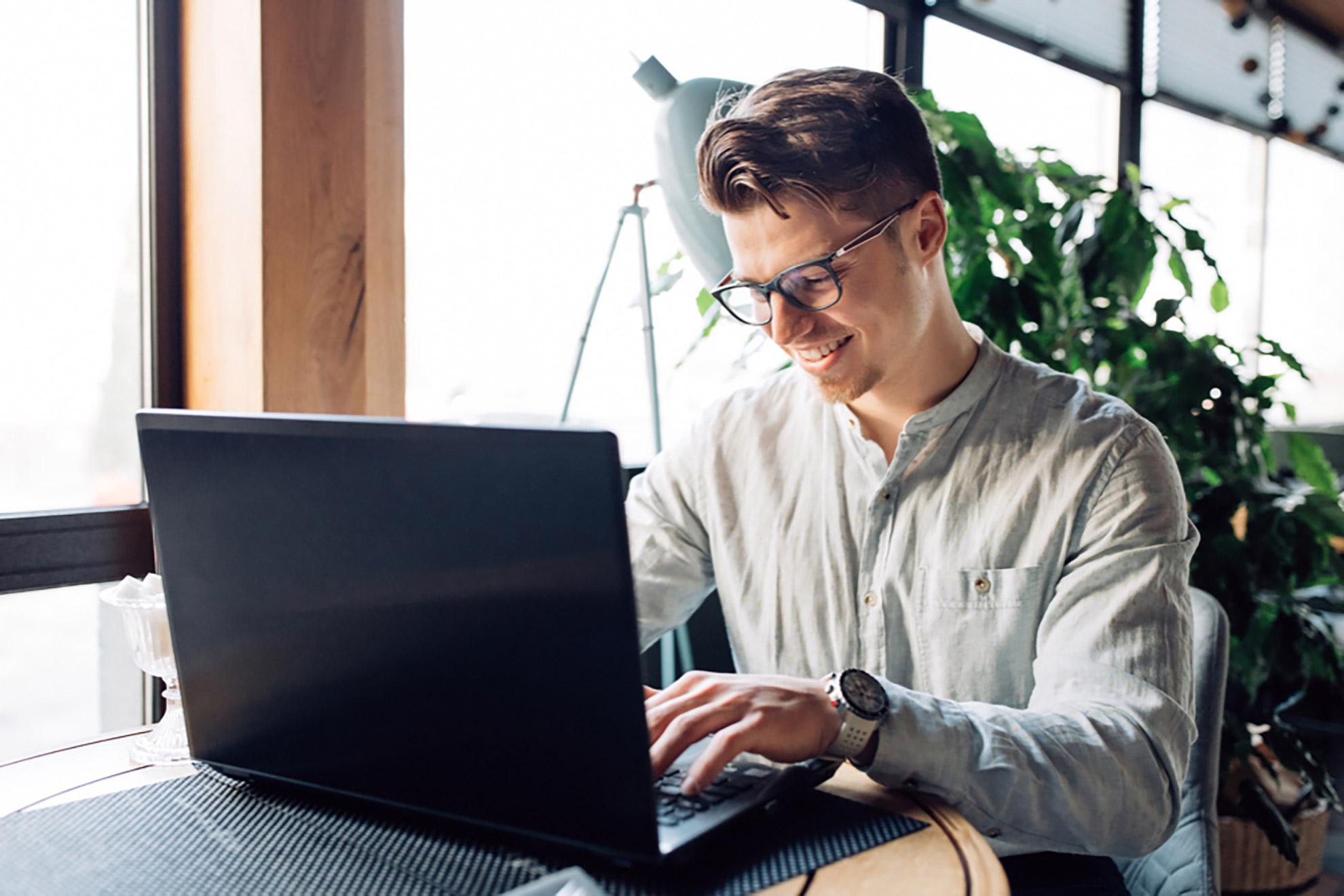 working-laptop-typing